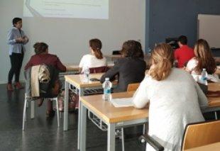 Foto Reunión con grupos de investigación de la UJI